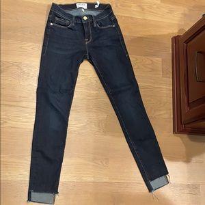 Frame skinny jeans with step hem size 25 like new